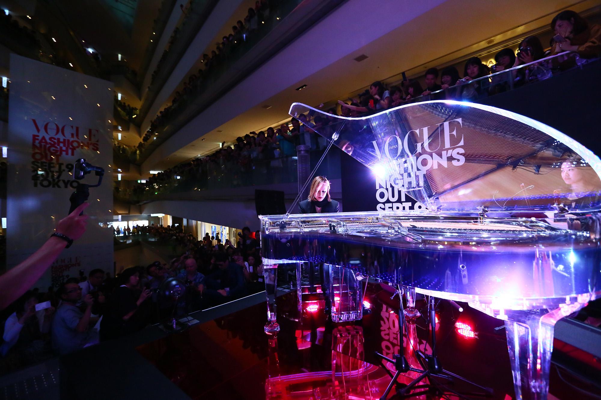 RMMS-Yoshiki-Vogue-Fashion-Night-Out-Japan-2017-0047