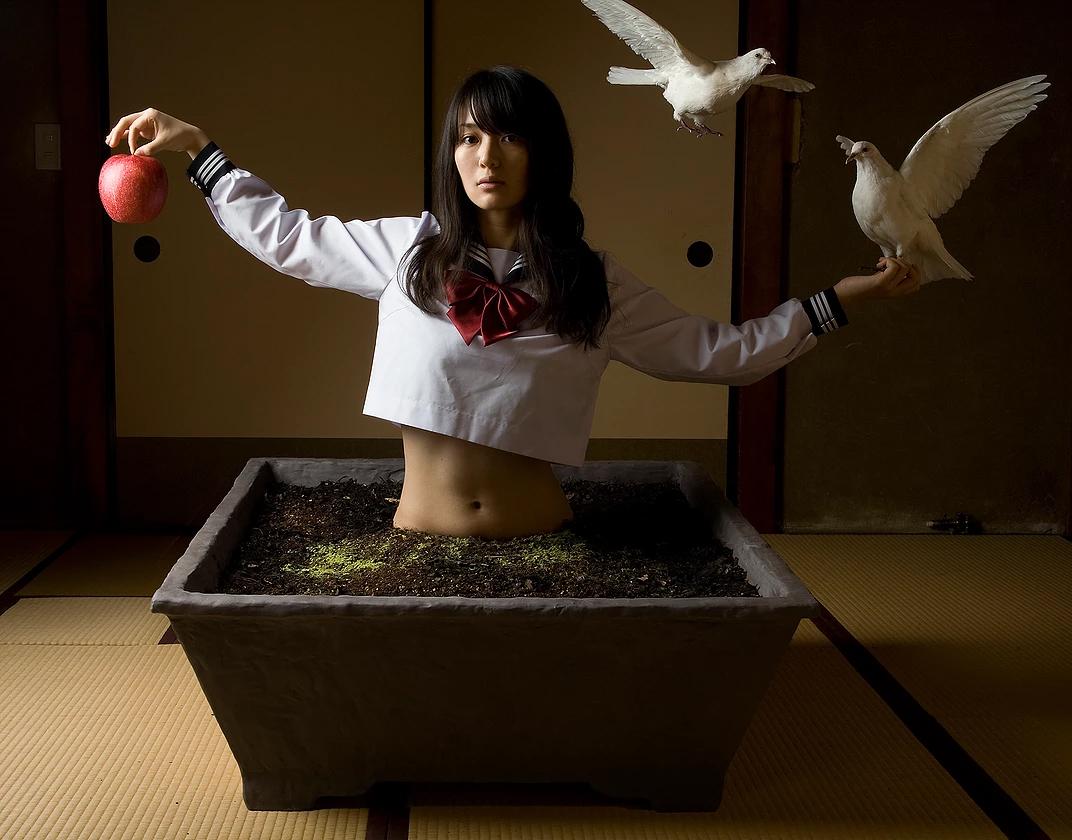 CINDERELLA, 2009 ©KIKUNA MISHIMA